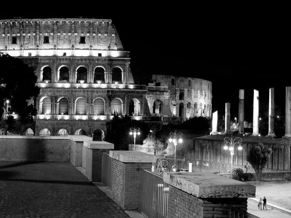 Il Colosseo Roma 2 Photography Art | The World in Black and White