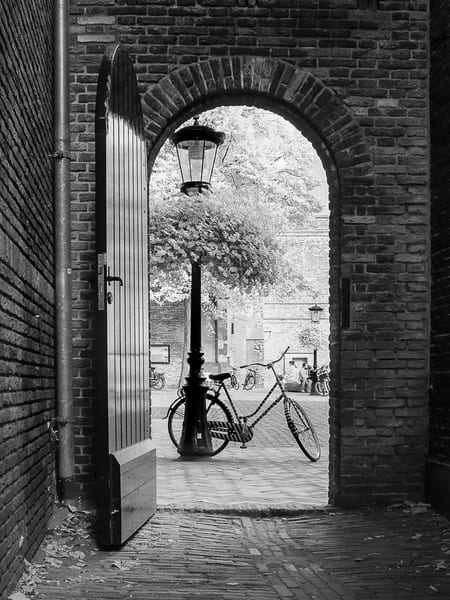 Momentary Rest The Netherlands Photography Art | The World in Black and White