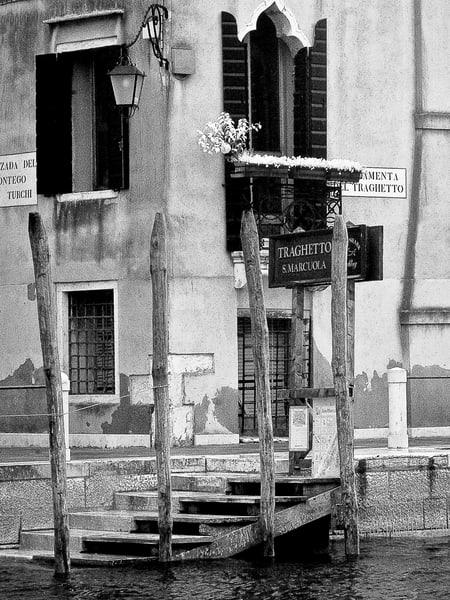 Traghetto Stop Venice Photography Art | The World in Black and White