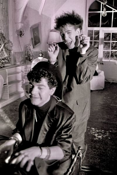 Robert Smith & Lol Tolhurst of The Cure in the Love Cats video