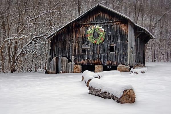 Barn With Wreath Art | Cincy Artwork