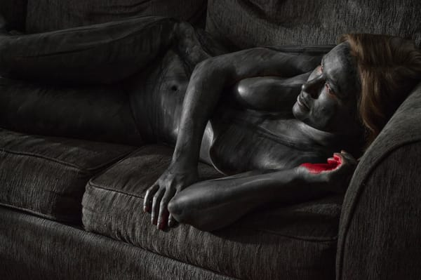 2014   Grey Couch   New York Art | BODYPAINTOGRAPHY
