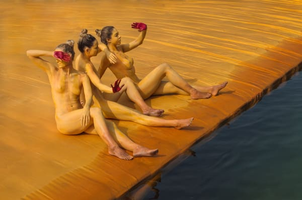 2016  Floating.Docks.Christo  Italy Art | BODYPAINTOGRAPHY