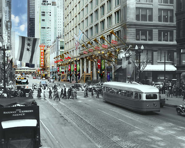 Experimental Streetcar Northbound On State Street Art | Mark Hersch Photography