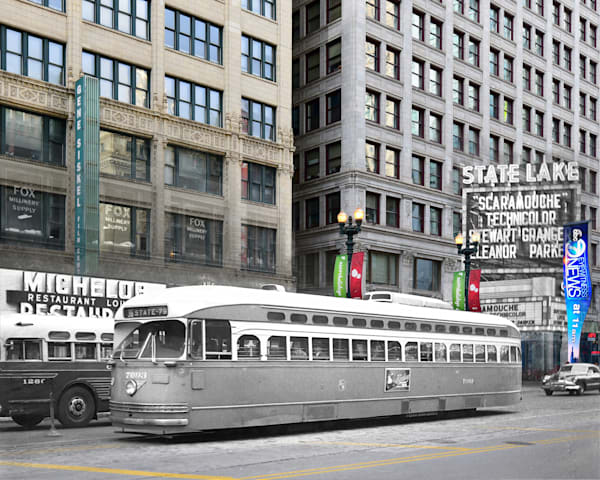 Chicago Streetcar Southbound On State Street Art | Mark Hersch Photography