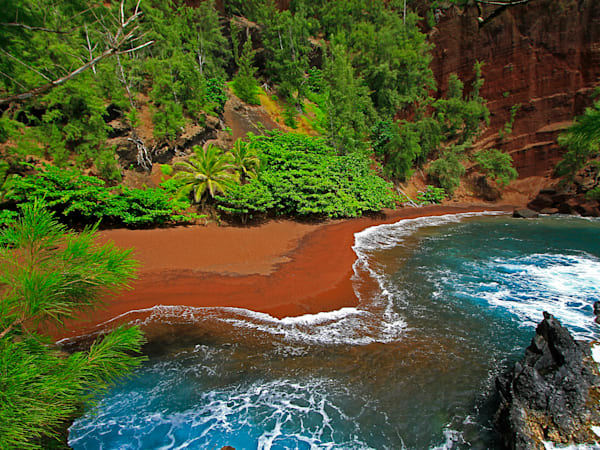 Red Sand Beach | Aa014 Art | Pictures Plus