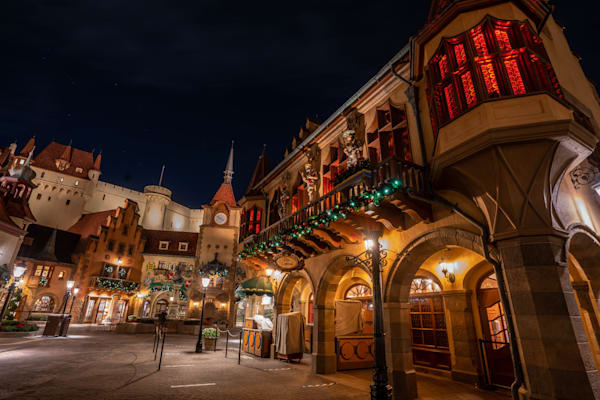 Christmas At The Germany Pavilion Photography Art | William Drew Photography