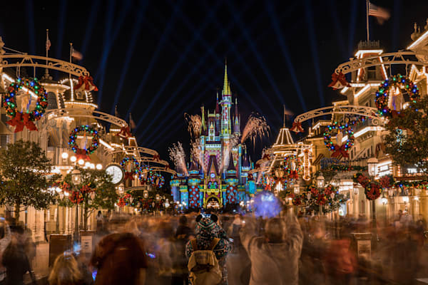 2020 Christmas Fireworks At Walt Disney World Photography Art | William Drew Photography