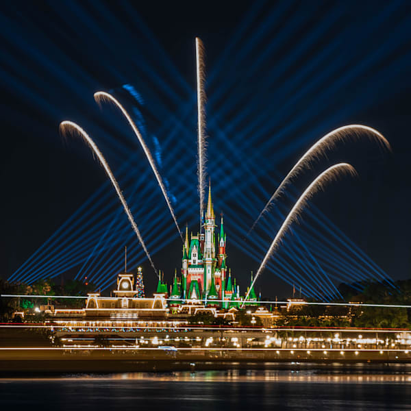2020 Christmas Fireworks From The Ttc Scene 4 Photography Art | William Drew Photography
