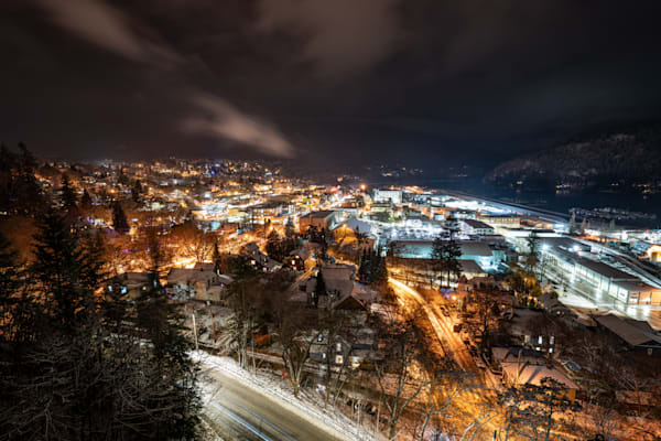 Tom Weager Photography - Nelson under a fresh blanket of snow at night