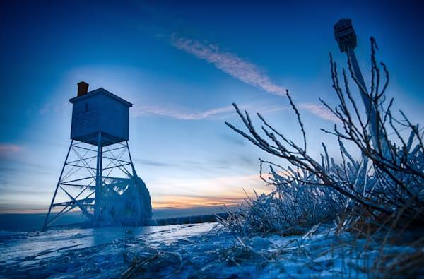 Solitary Watchman Ice Big Sable