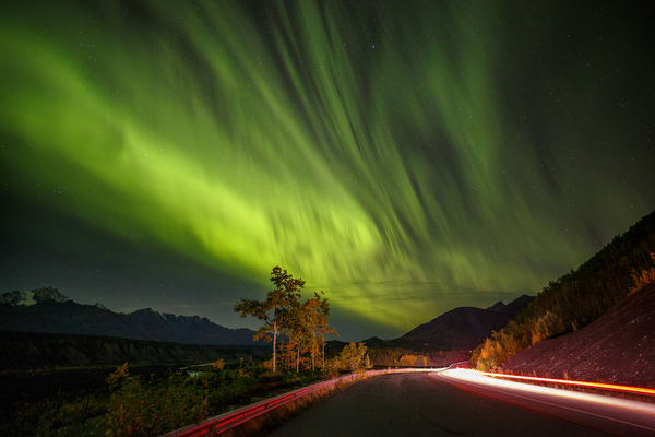 Glenn Highway Light Show