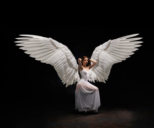 Elle: White Angel