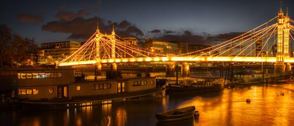 Calming Waters At The Albert Bridge Art | Martin Geddes Photography