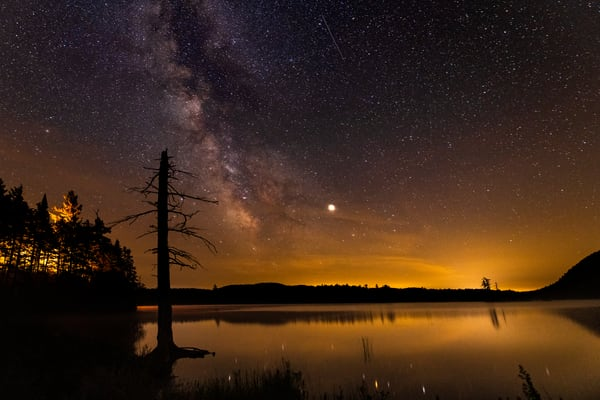 Moss Lake Red Dawg Shooting Star Photography Art | Kurt Gardner Photogarphy Gallery