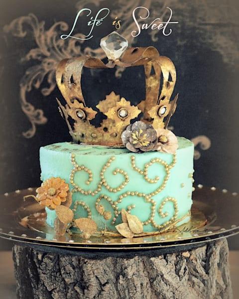 Life is Sweet Crowned Cake Art