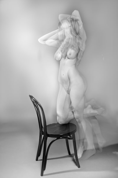 Black and White Nude No. 18