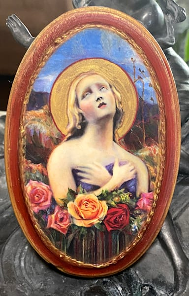 """""""Santa Fe Angel Of Hope"""" Solid Wood Handpainted Plaque, Oval, Chili Red 