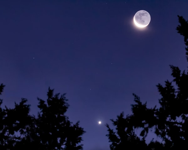 Cresent Moon, Venus And Libra  Art | Jim Livingston Art
