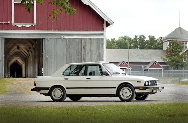 85 BMW 535
