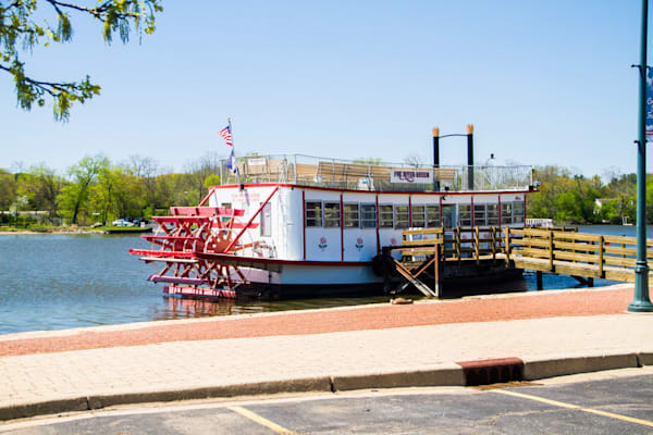 Fox River Queen Photography Art | Lake LIfe Images