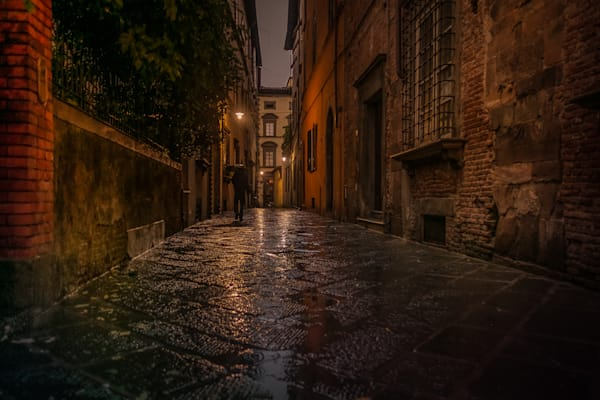 Rainy night in Lucca, Italy