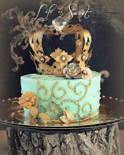 Sparkly Regal Cake Art