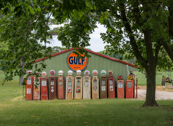 Wisconsin Gas Pumps 0890 19x26