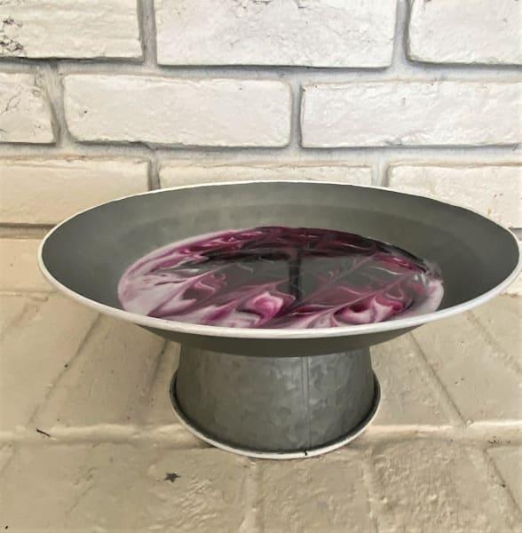 Round Metal Cake Stand  | Kimberlykort