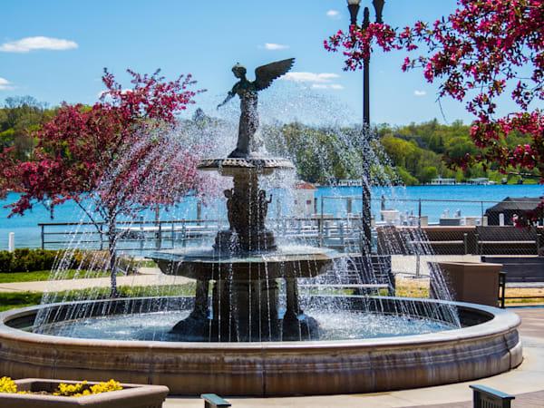 Riviara Fountain Photography Art   Lake LIfe Images