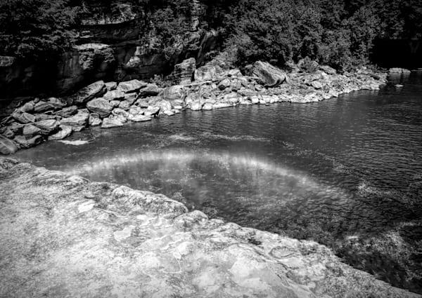 Cumberland Falls Rainbow 125 in black and white