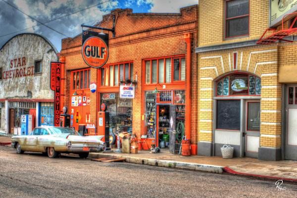 Lowell Gulf Station: Fine Art   Lion's Gate Photography
