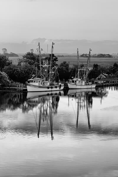 Dou Shrimp Boats B&W