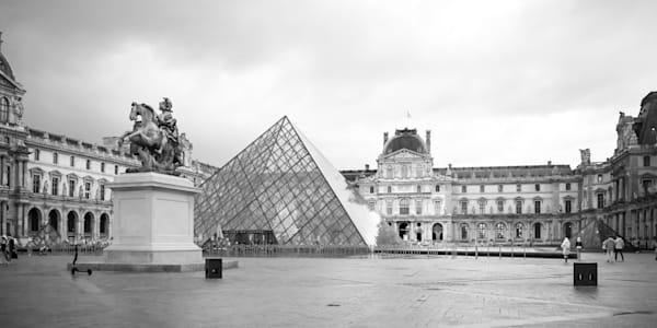 Palais Du Louvre, Paris Photography Art | The World in Black and White