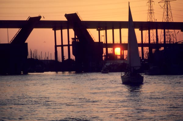 1986 Kemah, Seabrook Draw Bridge with the new fixed-span bridge