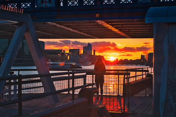 Sunset Under Tower Bridge Art   Martin Geddes Photography