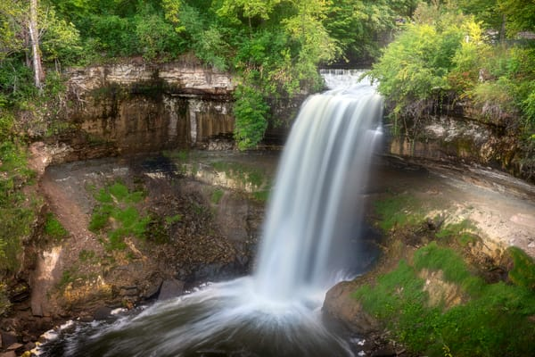 Minnehaha Falls Summer - Waterfall Pictures   William Drew Photography
