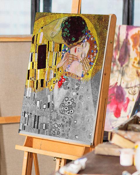 The-Kiss-by-Klimt-on-panel-pb96vm