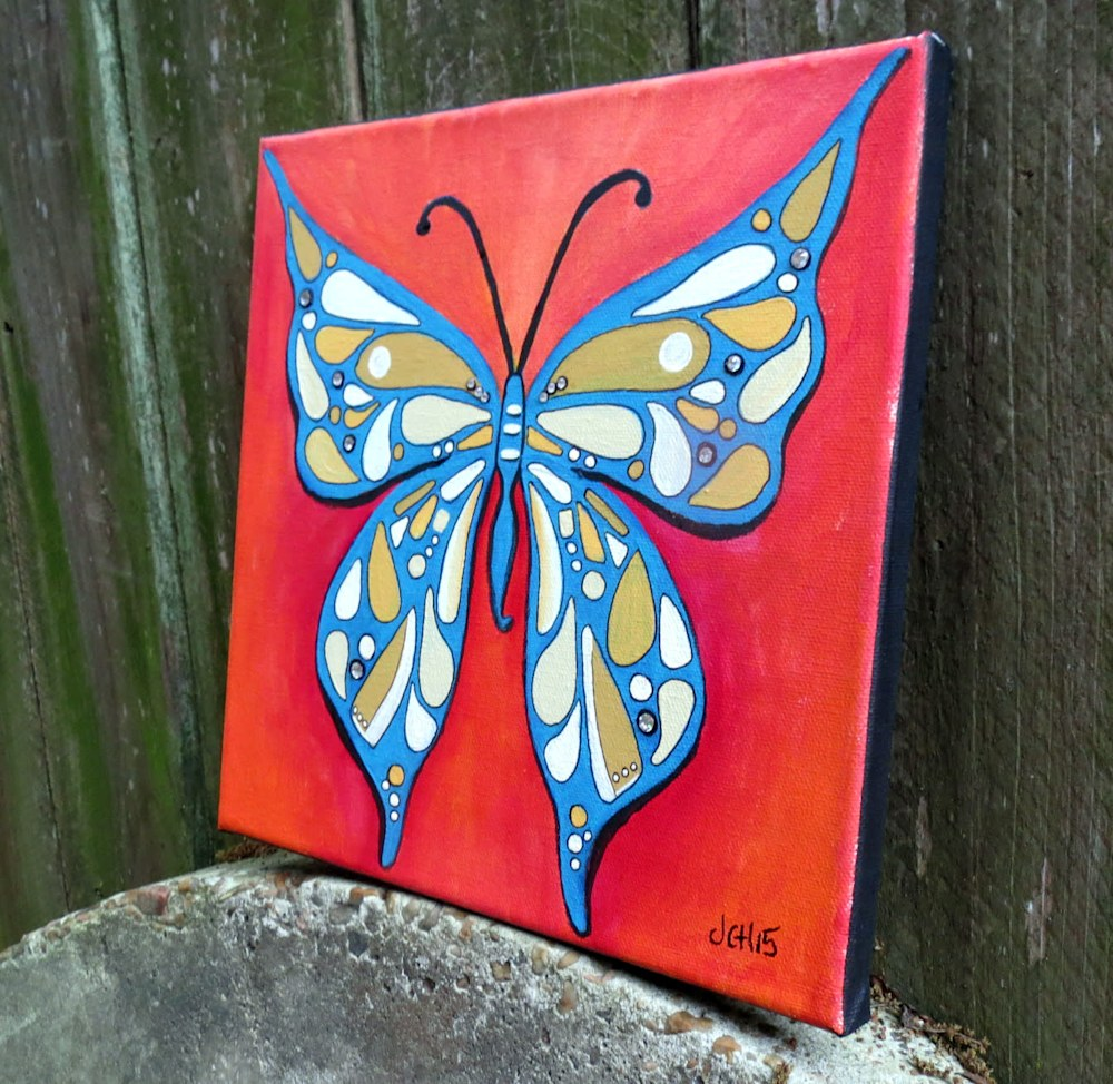 groovy-butterfly-side-outside-rwg1rt