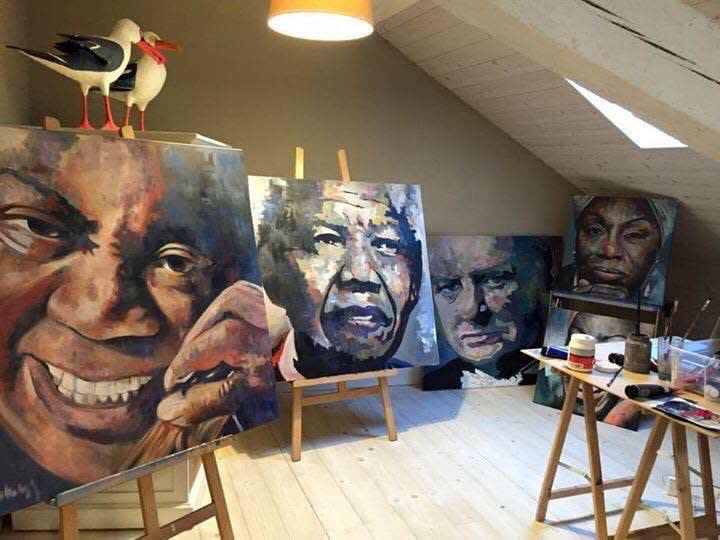 Portraits-in-Art-Studio-Switzerland-ppqrq7