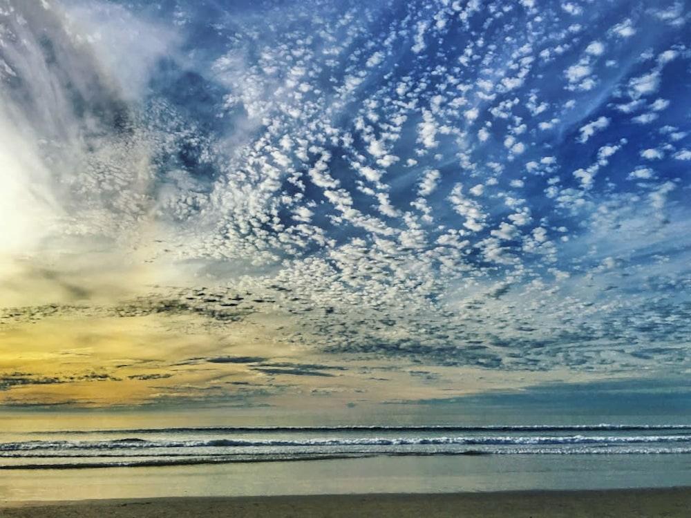 IMG 8050 Blue Beach Sunset 2017   PS Paint Daubs FAVORITE rsz