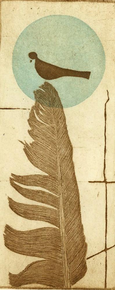 feather blu dot left image