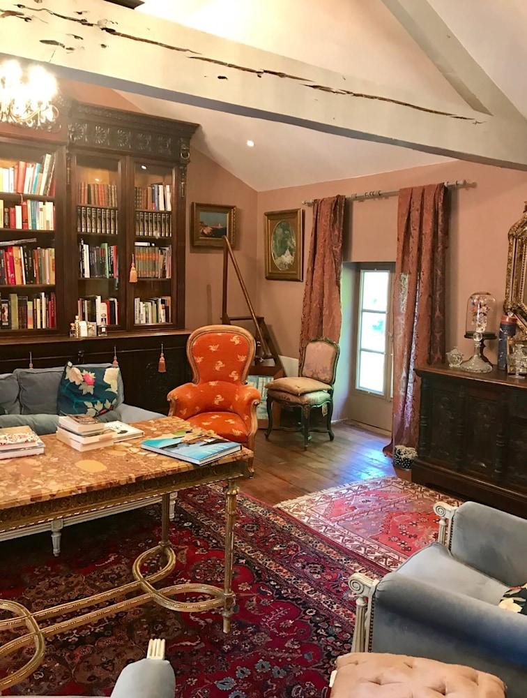 France Sitting Room
