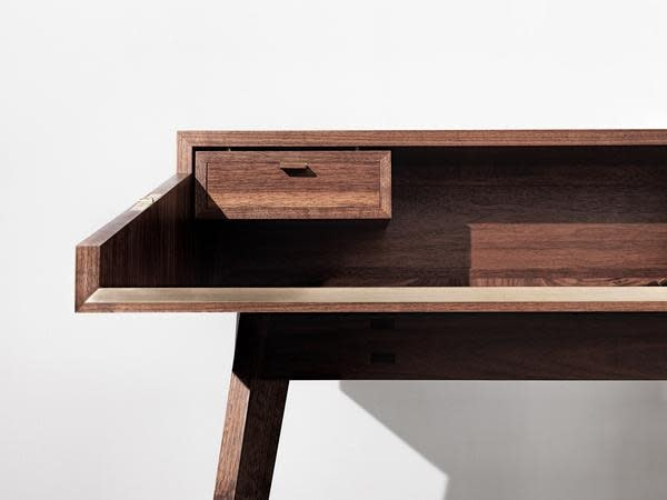 Mid Century Walnut Desk by Timothy Hogan 11 grande