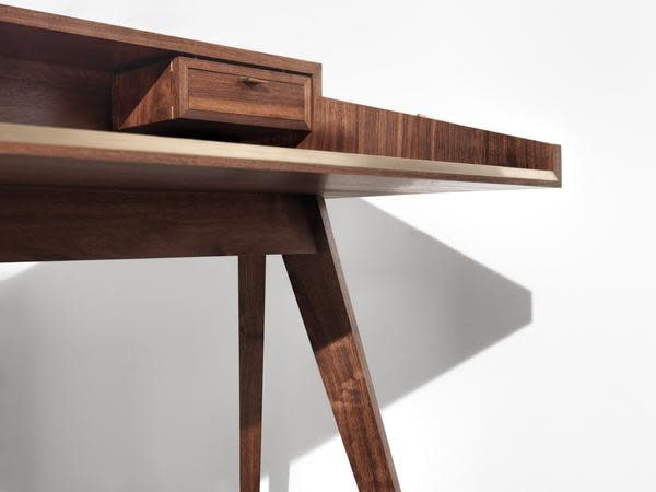 Mid Century Walnut Desk by Timothy Hogan 7 grande