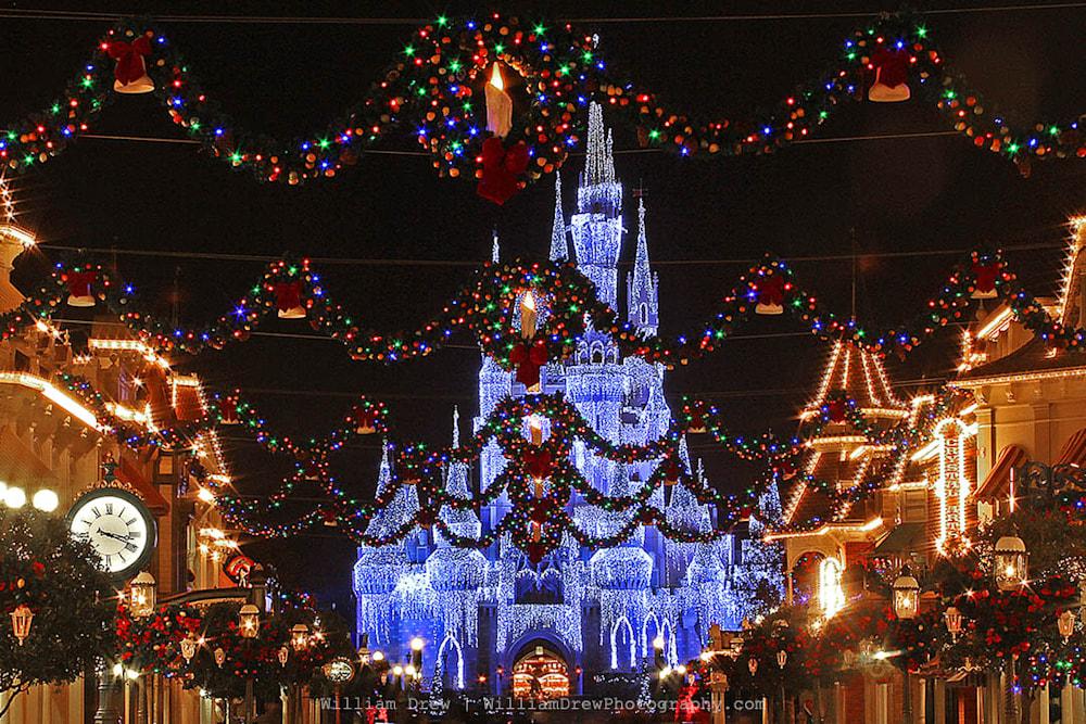 magic kingdom at christmas sm