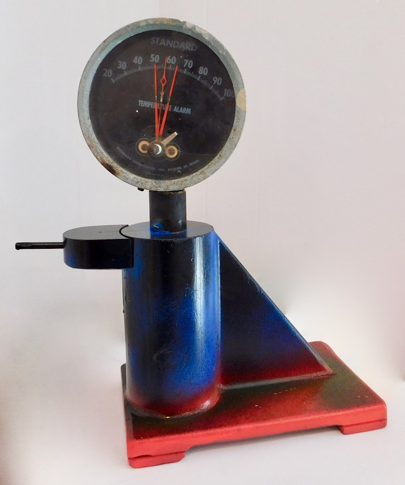 Sculpture Joyometer, salvaged wood and metals