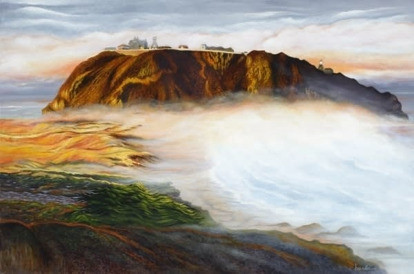 point sur lighthouse morning fog