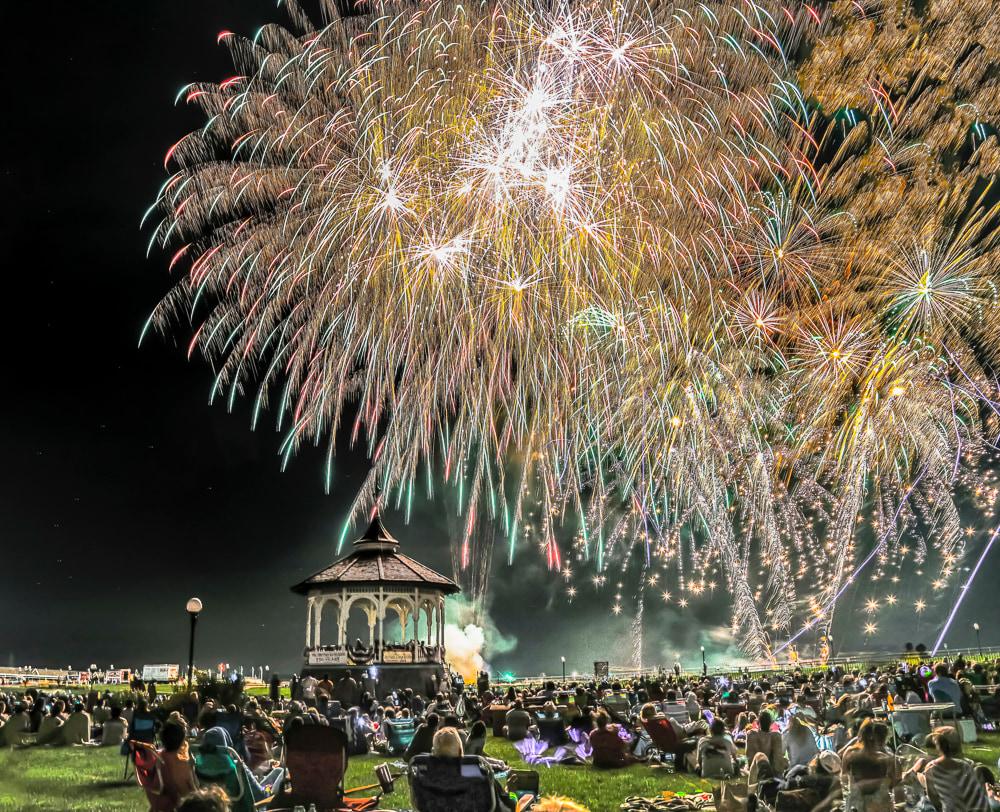 Oak Bluffs Fireworks 1