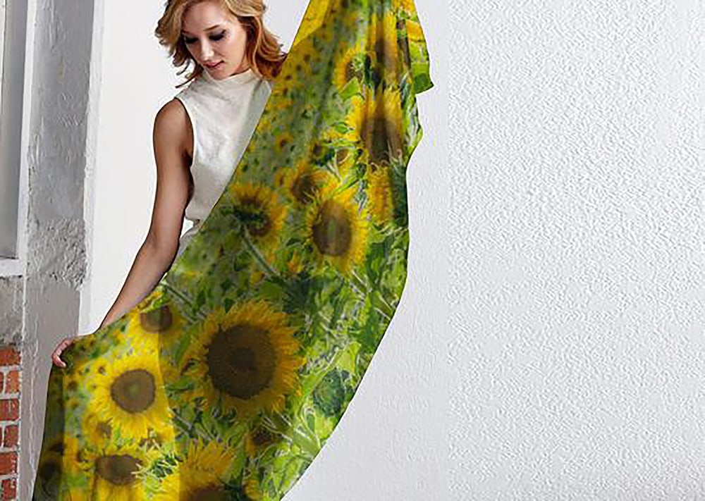 Margot Carrera Sunflower long scarf held 005 540x540 2